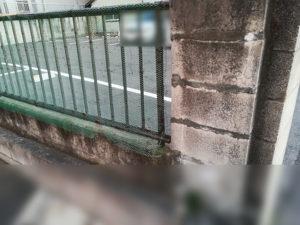 フェンスを網で覆う